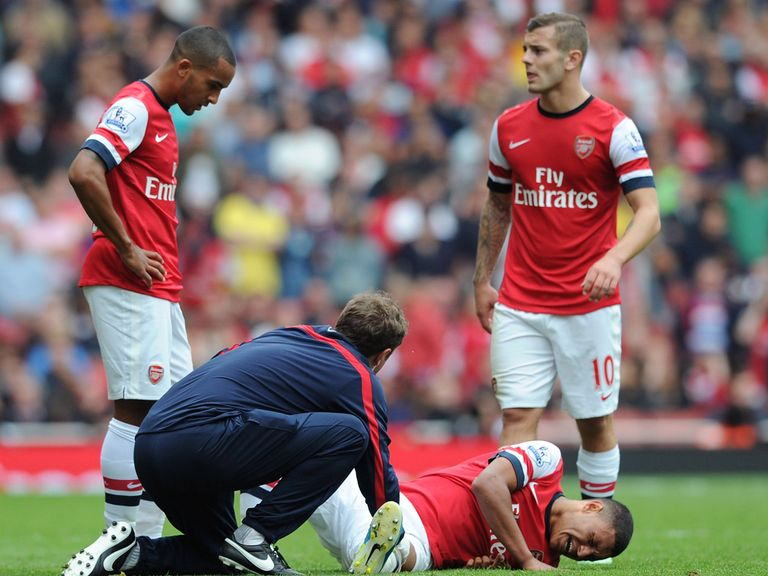 Oxlade-Chamberlain: Suffered a knee injury