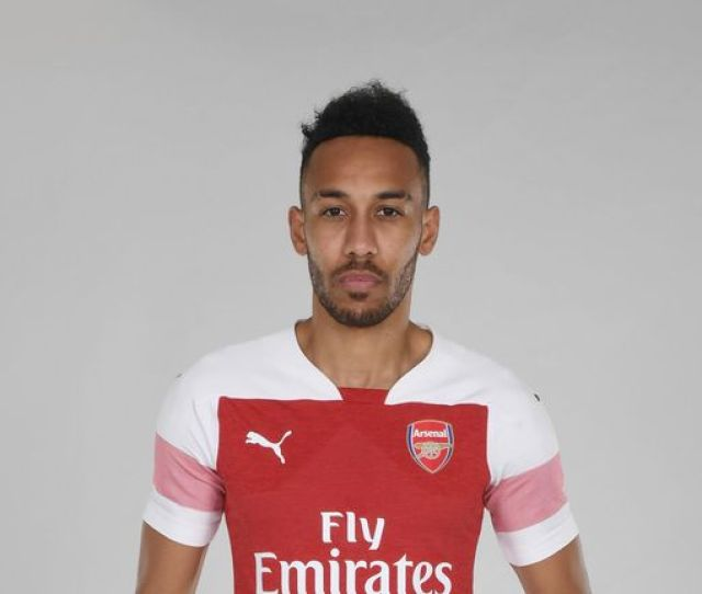 Pierre Emerick Aubameyang In The New Arsenal Home Kit