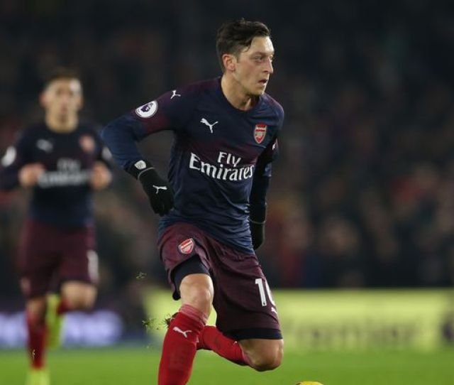 Mesut Ozils Agent Says The German Is  Per Cent Committed To Arsenal