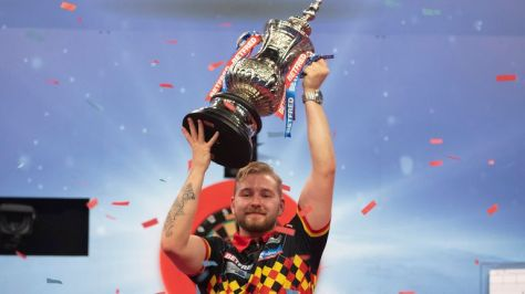 Dimitri Van den Bergh beat Gary Anderson to win his first major title at the Matchplay last year (Image: Lawrence Lustig/PDC)