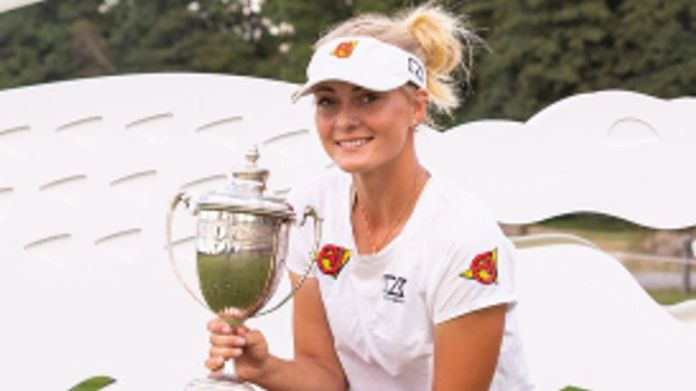 Julia Engstrom recorded a one-shot victory in France