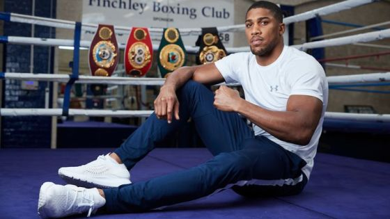 Anthony Joshua should defend his world titles against Tyson Fury