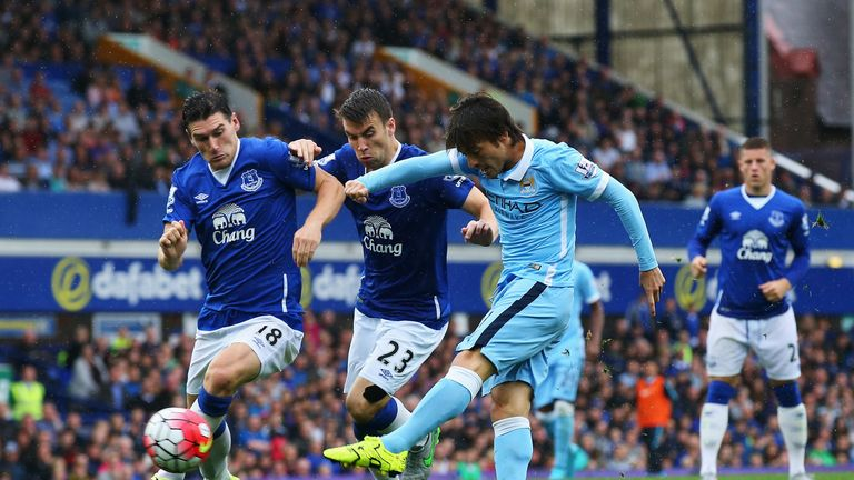 https://i1.wp.com/e2.365dm.com/15/08/16-9/20/seamus-coleman-gareth-barry-david-silva-manchester-city-man-city-everton_3341435.jpg?resize=768%2C432
