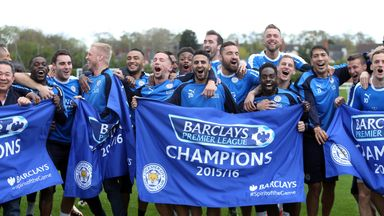 https://i1.wp.com/e2.365dm.com/16/05/384x216/leicester-city-players-flag-banner-premier-league-title-celeb-training-ground_3459970.jpg
