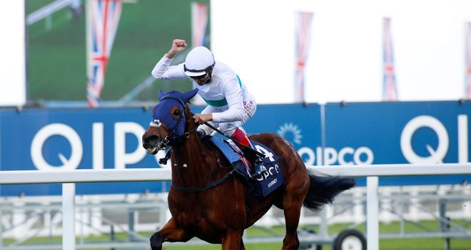 Journey ridden by Frankie Dettori wins the Fillies & Mares