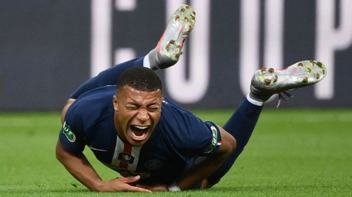 Kylian Mbappe sent off just 26 minutes away from the Coupe de France final