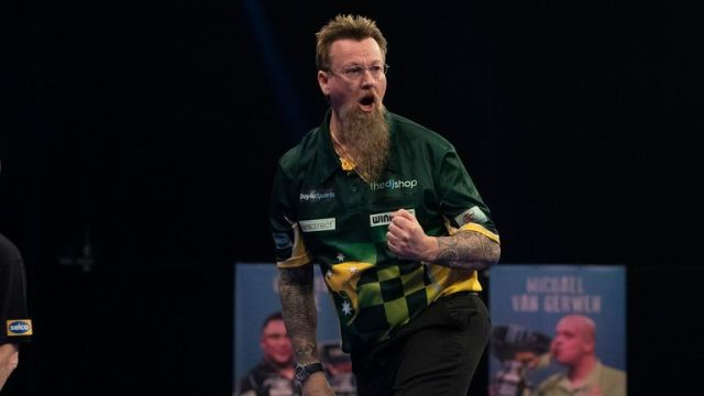 Simon Whitlock is bidding to progress to the Grand Slam of Darts semi-finals for the first time in his career.