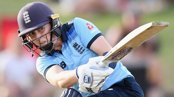 England captain Heather Knight contributed 67 not out from 69 balls in her side's eight-wicket victory at Hagley Oval