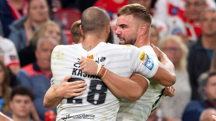 Catalans celebrate Mike McMeeken's try