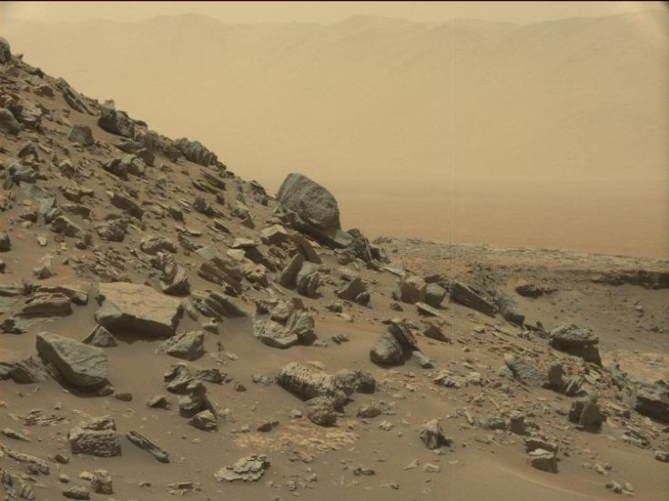 A striking sloping hillside on Mars captured by  the Curiosity rover. Pic: NASA/JPL-Caltech/MSSS