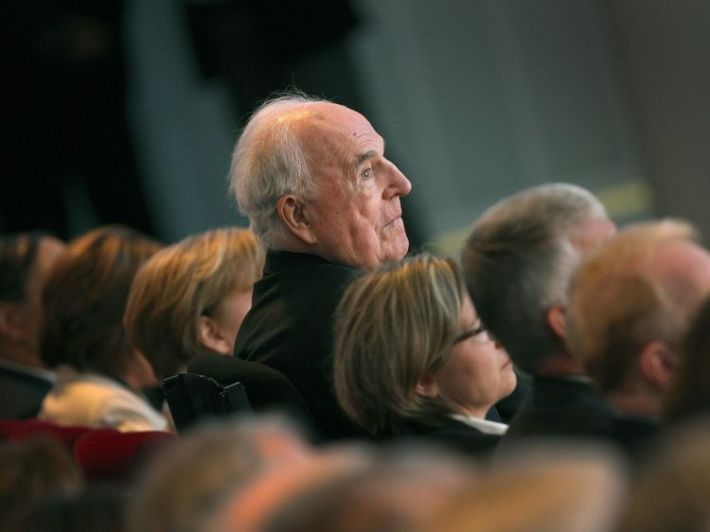 Helmut Kohl pictured at an event in April 2015