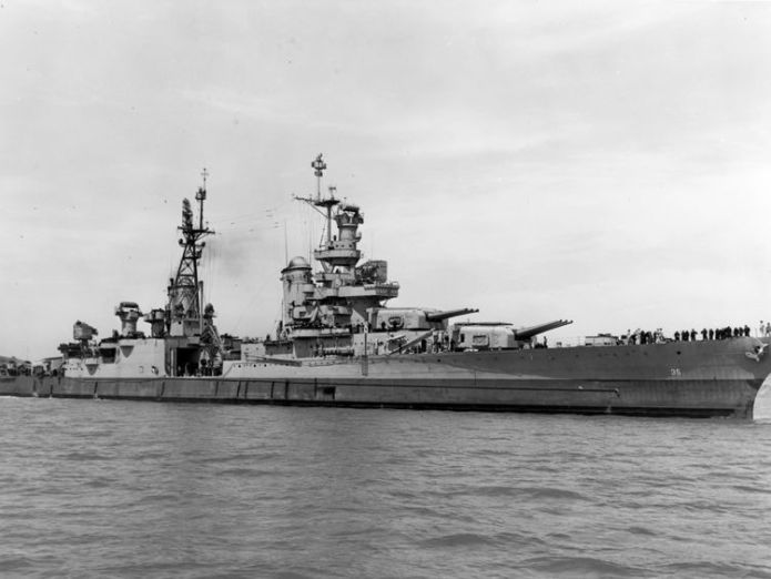 The Portland-class heavy cruiser USS Indianapolis (CA 35) underway in Pearl Harbor in 1937. The ship was sunk on July 30, 1945 by an Imperial Japanese submarine. Pic: US Navy Navy warship USS Indianapolis found 72 years after sinking Navy warship USS Indianapolis found 72 years after sinking e66ba2a860927a2a8c2ecdde06fd4cb65cd55c471f73bbd58ff5d682db1c125f 4078235