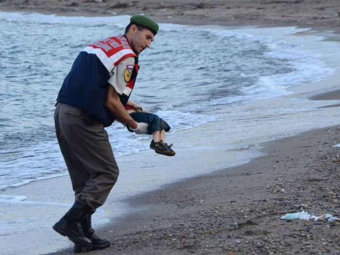 Alan Kurdi drowned while trying to reach Greece in September 2015  'Memory of tragic Alan Kurdi death is fading' 9a18c9722043e0765ff04c9d58600956479d718d7aace147f1f2693738204e53 4089517
