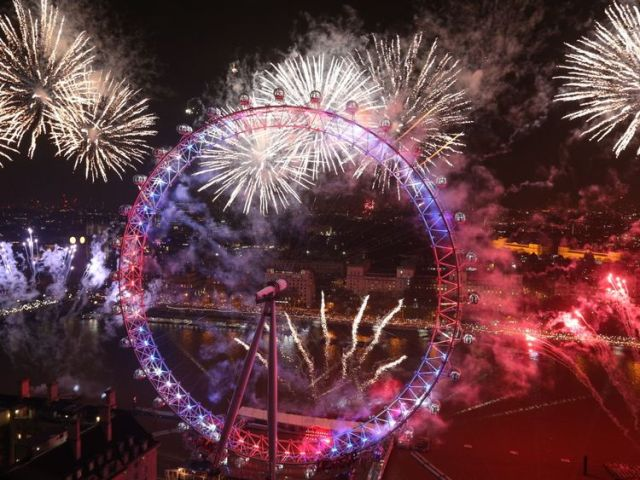 More than 10,000 fireworks will light up London - and Big Ben is back to bong in 2018