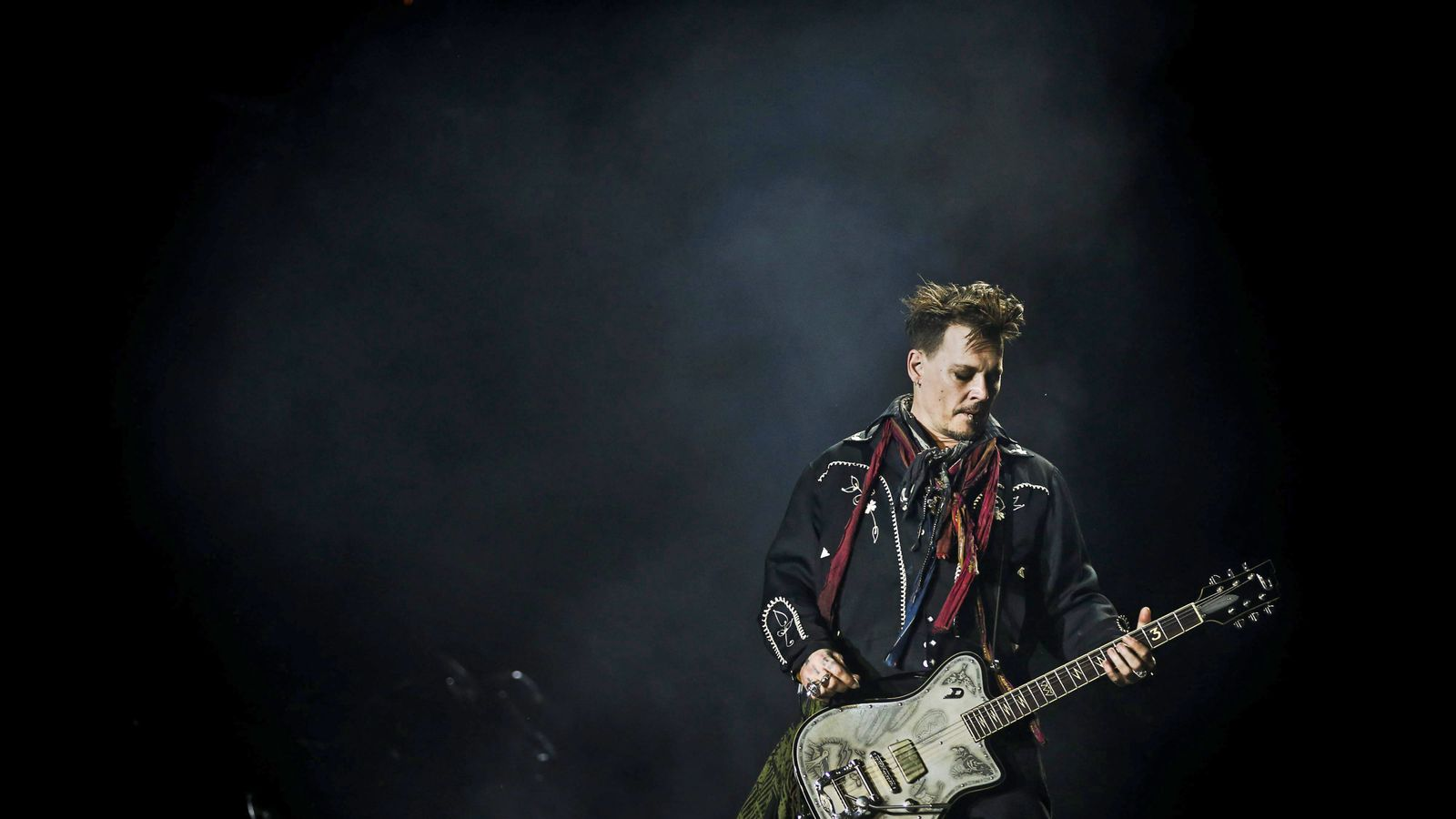 Johnny Depp to tour the UK with Hollywood Vampires