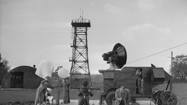 1952: Student officers at the Military College of Science at Shrivenham, release meteorological balloons