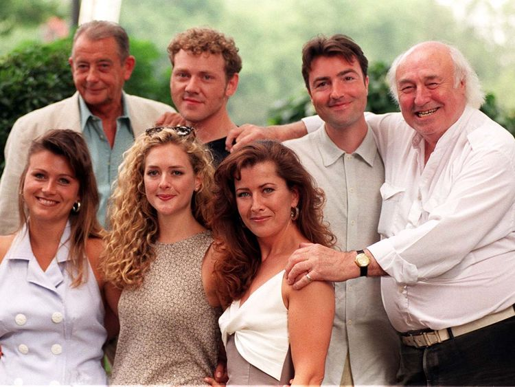 Bill Maynard with the cast of Heartbeat in 1996