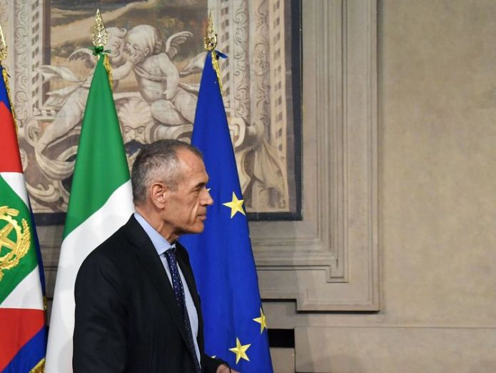 Carlo Cottarelli who is italy's likely new prime minister carlo cottarelli? Who is Italy's likely new prime minister Carlo Cottarelli? skynews carlo cottarelli carlo cottarelli italy pm 4322951