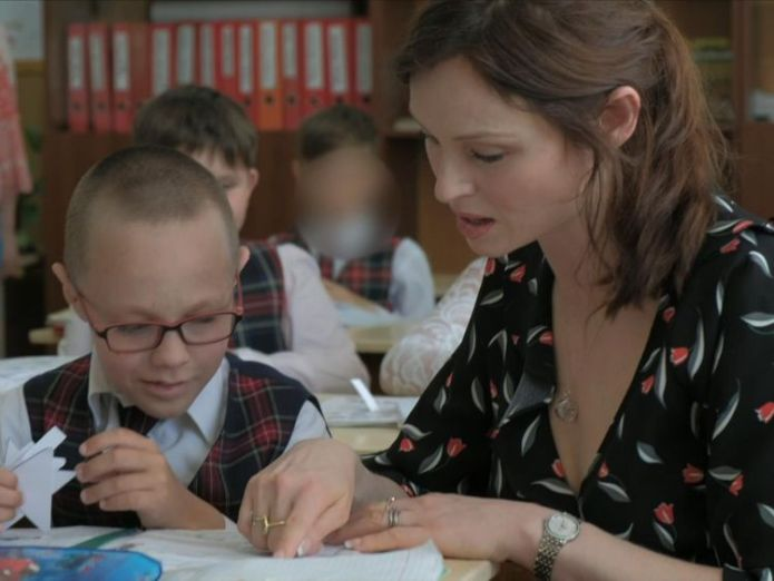 Sophie Ellis-Bextor visits an orphanage in Ukraine Sophie Ellis-Bextor visits children left in Ukraine orphanage due to bad eyesight Sophie Ellis-Bextor visits children left in Ukraine orphanage due to bad eyesight skynews sophie ellis bextor 4317797
