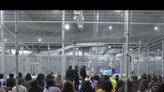 Migrant children in a cage in the US Judge orders US border families must be reunited within 30 days Judge orders US border families must be reunited within 30 days skynews children migrants 4339545