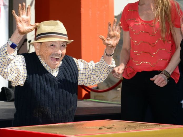 Jerry Maren, then aged 93, became one of the oldest and smallest honorees of a hand and foot ceremony in the history of the TCL Chinese Theater  Last surviving munchkin from The Wizard Of Oz, Jerry Maren, dies aged 99 Last surviving munchkin from The Wizard Of Oz, Jerry Maren, dies aged 99 skynews jerry maren wizard of oz 4329788