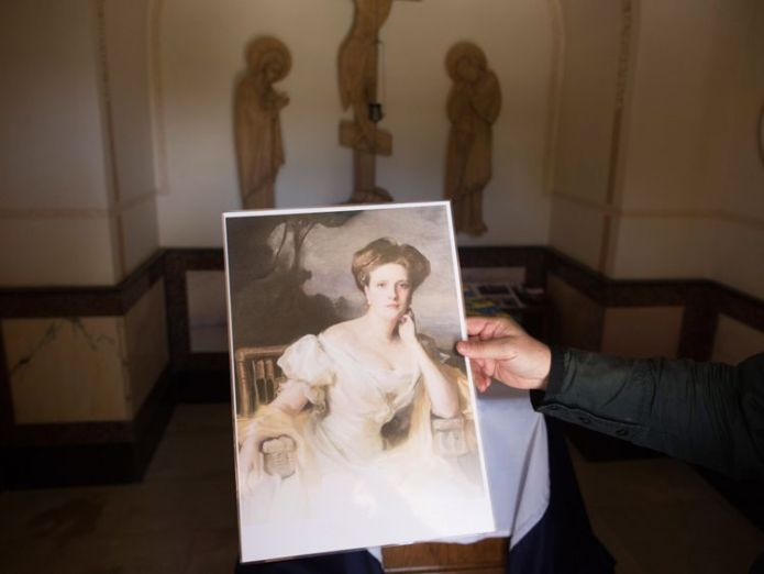 A portrait of Princess Alice of Battenberg next to her tomb  William visits great-grandmother Princess Alice's Jerusalem tomb skynews princess alice battenberg 4347882