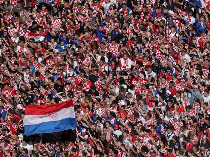 Joyful crowds await to greet the Croatia football team in the country's capital  Croatia get hero's welcome in Zagreb despite losing World Cup final skynews croatia world cup 4363592