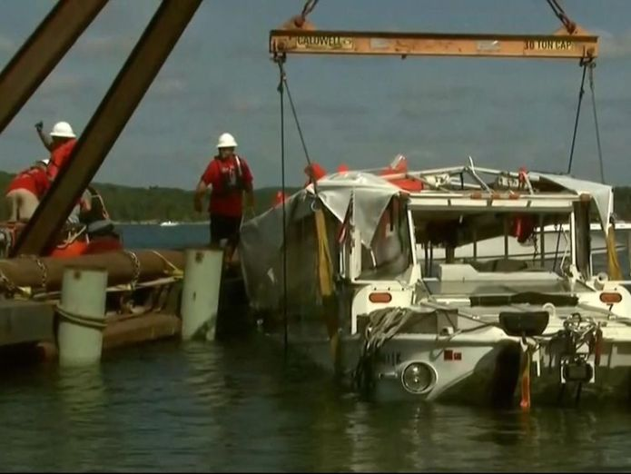 Duck boat raised to surface  Stricken vessel raised to surface of Table Rock Lake skynews duck boat missouri 4369554