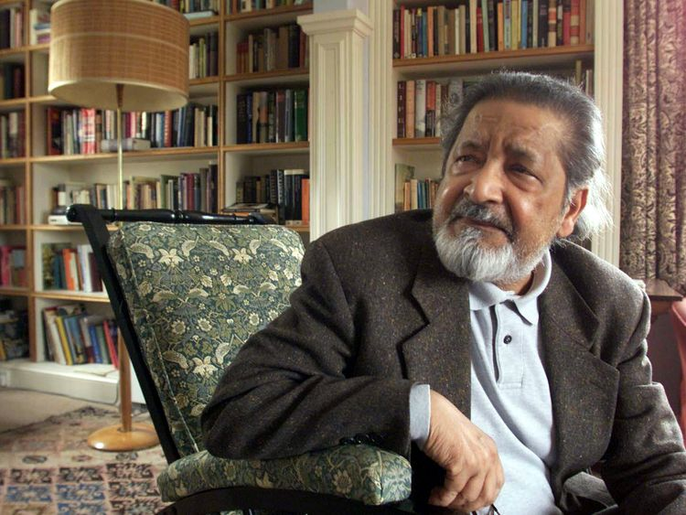 V S Naipaul in 2001 after it was announced that he was awarded the Nobel Prize for Literature