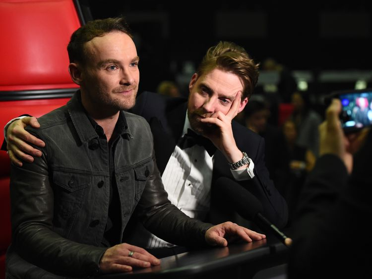 Kevin Simm and coach Ricky Wilson at The Voice Live Final in 2016