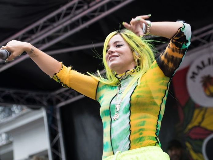 Lily Allen performs at Notting Hill Carinval  Lily Allen says music industry is 'rife with sex abuse' skynews lily allen notting hill carnival 4421205
