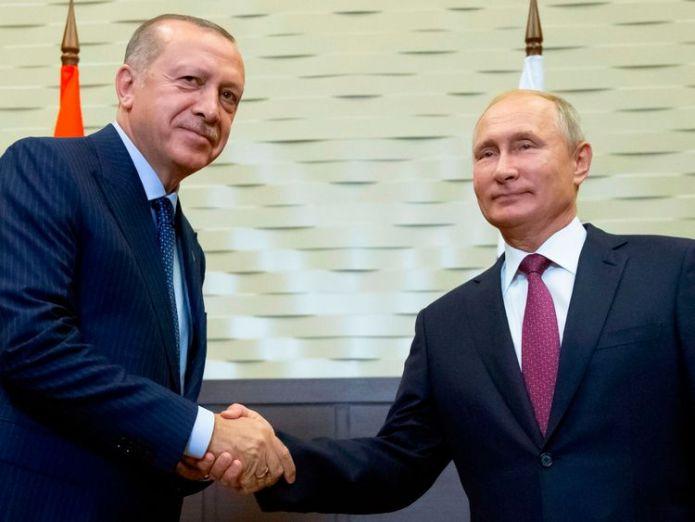 The two leaders agreed the deal in the Black Sea resort of Sochi  Idlib safe zone deal 'prevents humanitarian crisis' in Syria, says Erdogan skynews putin erdogan idlib 4425049