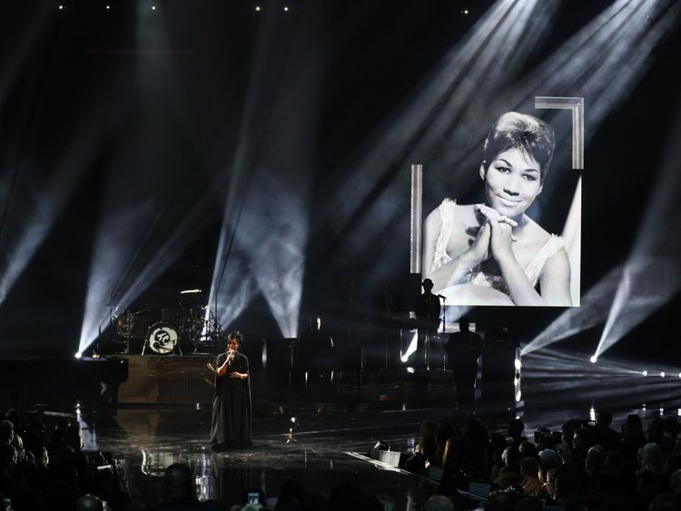 Tribute to Aretha Franklin at the American Music Awards