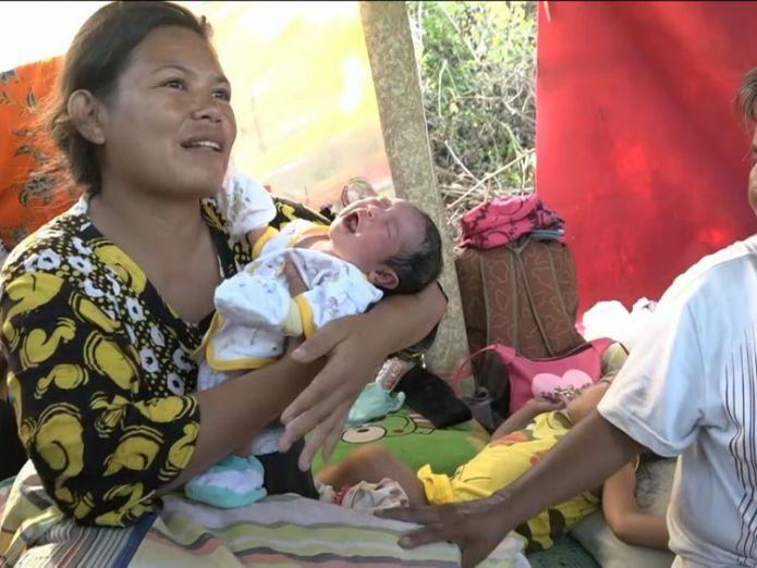 Three-day-old baby Gambita was born after the quake-Tsunami struck  Volcano erupts on quake-hit Indonesia island skynews siobhan robbins indonesia 4440919