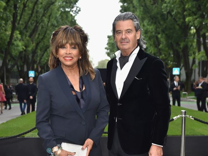 The singer refused to start dialysis as she did not want to 'live on a machine'  Tina Turner reveals husband gave her kidney in secret transplant skynews tina turner edwin bach 4444731
