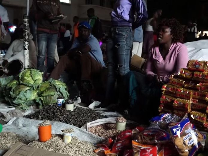 The makeshift markets come alive after dark  Zimbabwe's worst economic crisis in a decade: Street vendors sell contraband skynews zimbabwe vendors 4452660