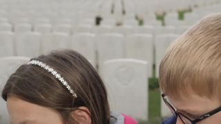 Relatives of soldiers who died in WWI