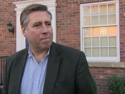 Sir Graham Brady, Vorsitzender der Tory-Hinterbank, sagt, er würde die Premierministerin Theresa May zuerst über die No Confidence-Briefe informieren.