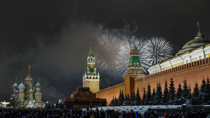Fireworks explode in the sky during New Year celebrations in Moscow's Red Square, Russia January 1, 2019