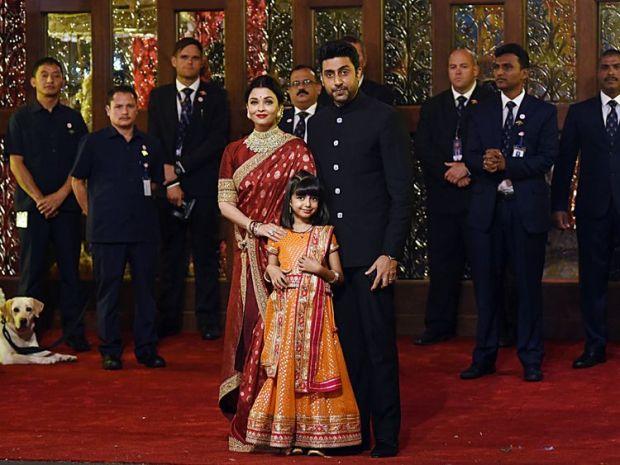 Bollywood stars Aishwarya Rai Bachchan and Abhishek Bachchan spotted at the event