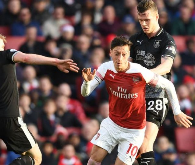 Unai Emery Must Make Mesut Ozil Feel Like Main Man At Arsenal Says Tim Sherwood