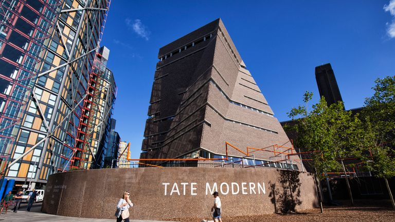 skynews-tate-modern-gallery_4575877 'Draw the blinds': Flat owners lose privacy case against Tate gallery