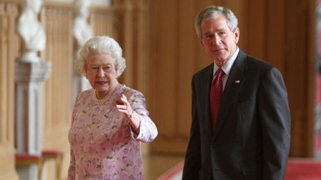 The Queen welcomes President Bush to the UK