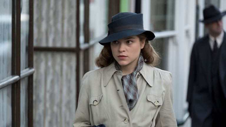Sophie Cookson in the role of young Joan.