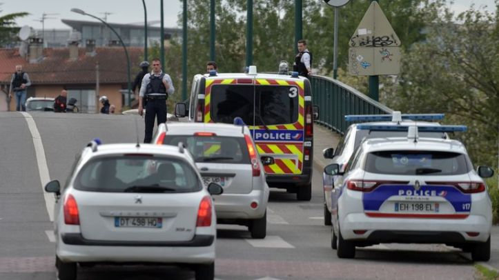 The hostage situation is near Toulouse airport