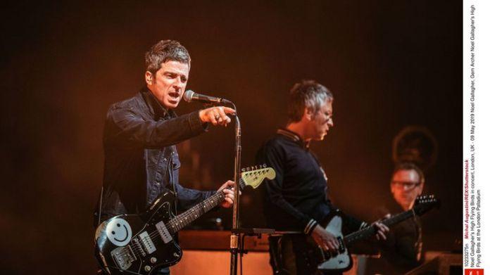 Pájaros voladores altos de Noel Gallagher