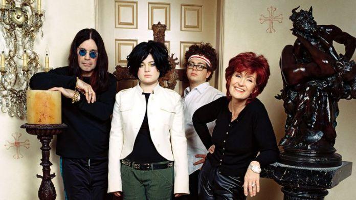 Ozzy Osbourne, Kelly Osbourne, Jack Osbourne, Sharon Osbourne. The Osbournes - 2002.Mtv.USA. Image: Mtv / Kobal / Shutterstock