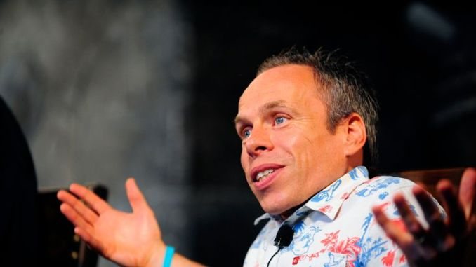Actor Warwick Davis talks during a media preview of The Wizarding World of Harry Potter-Diagon Alley at the Universal Orlando Resort in Orlando, Florida June 19, 2014. The new attraction, which opens to the public on July 8, expands the original Harry Potter world, which opened in 2010 and is modeled after Hogsmeade Village, which is located near the Hogwarts School of Witchcraft and Wizardry where the series' leading character Harry Potter begins his magical adventures. REUTERS/David Manning  (UNITED STATES - Tags: ENTERTAINMENT BUSINESS)