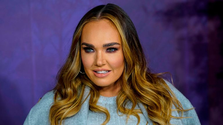 """British model and socialite Tamara Ecclestone poses on the red carpet as he arrives to attend the European premiere of the film """"Frozen 2"""" in London on November 17, 2019. (Photo by Niklas HALLE'N / AFP) (Photo by NIKLAS HALLE'N/AFP via Getty Images)"""