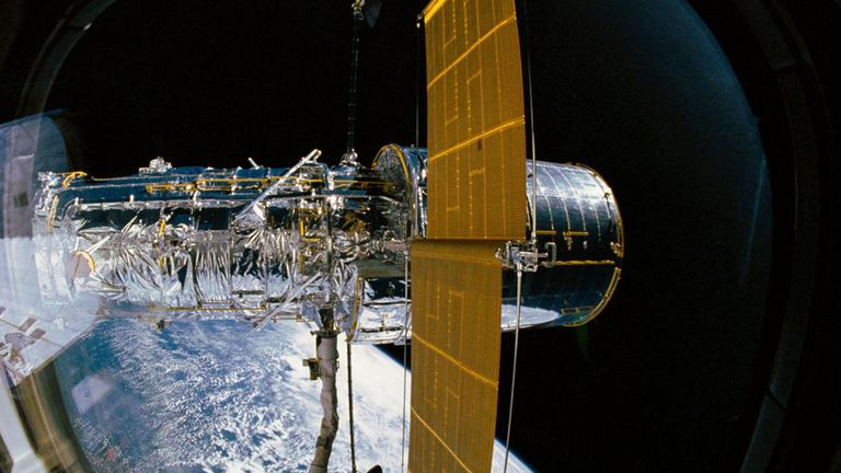 Hubble Telescope marks 30th birthday with stunning new ...
